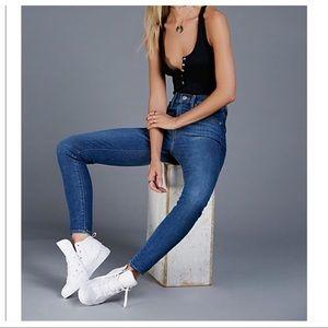 💕SALE💕Levi's Mile High Super Skinny Premium Jean